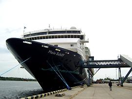 Gangway - Kreuzfahrtschiff