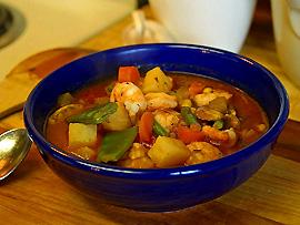 Zum Mittagessen (Almuerzo) – Eintopf (Puchero) als Vorspeise