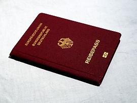 Kopien Ihrer Ausweisdokumente mitnehemen!