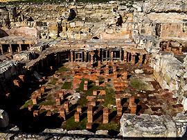 Das mitnehmen von Steinen aus archäologischen Stätten ist in Zypern verboten und wird bestraft.
