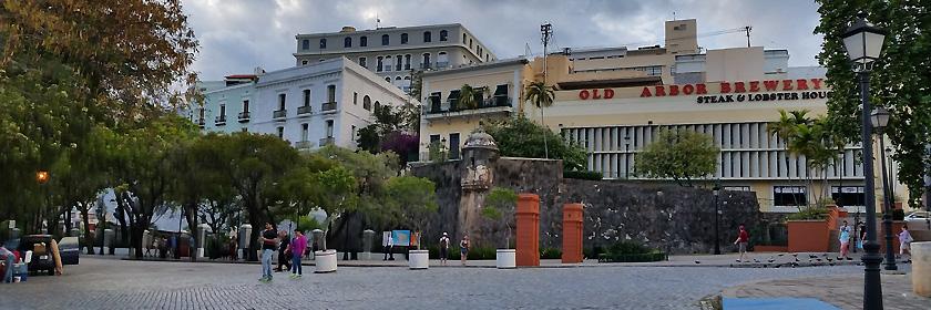 Notruf und Auslandsvertretungen für den Freistaat Puerto Rico (Außengebiet der USA in der Karibik)