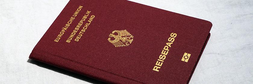 Reisedokument – Reisepass oder Personalausweis